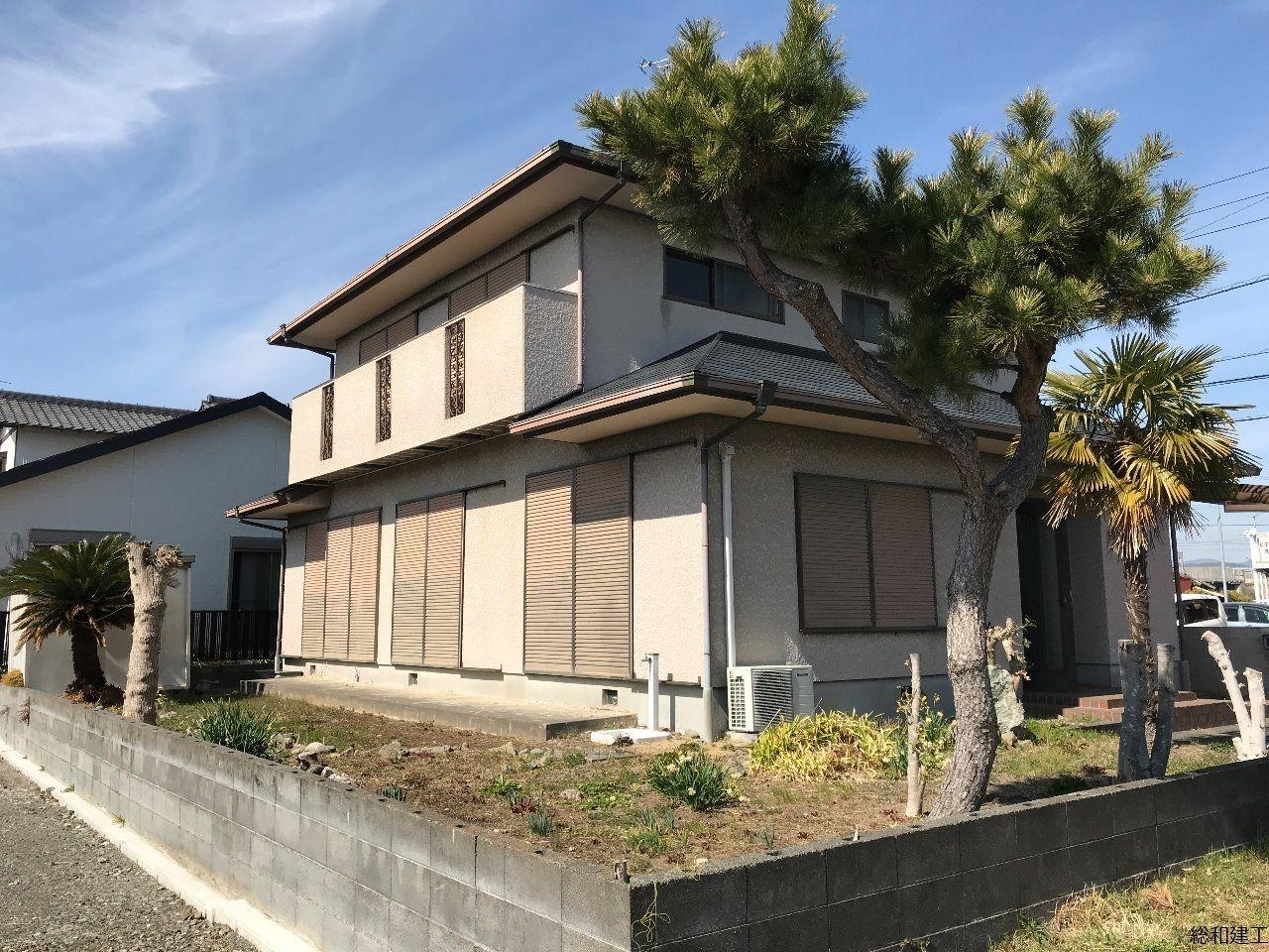 5LDKの大型住宅 広いLDKに続きの和室、床の間もあります。南向きで日当たり良好! 表紙