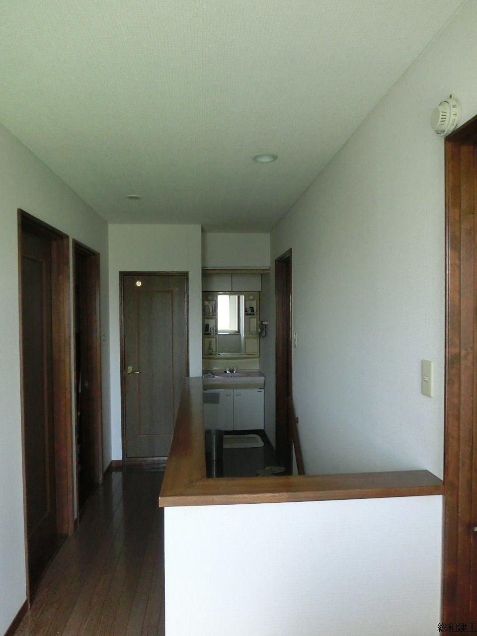 2階にもトイレ、洗面があります。